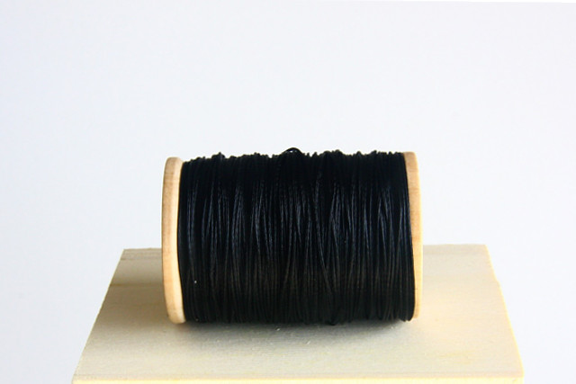 Black Semi Waxed Cord (0,6 mm)